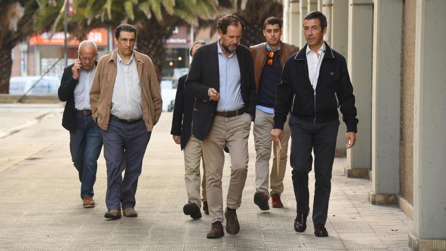 El PSOE llega más dividido que nunca a las primarias con récord de candidatos