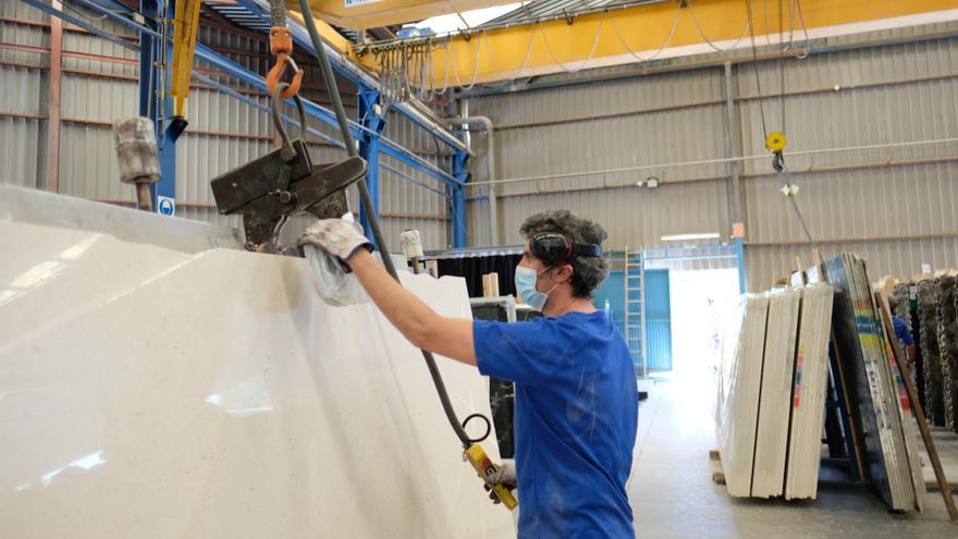 Los trabajadores del mármol tendrán un subida de sueldo del 2,4% este año