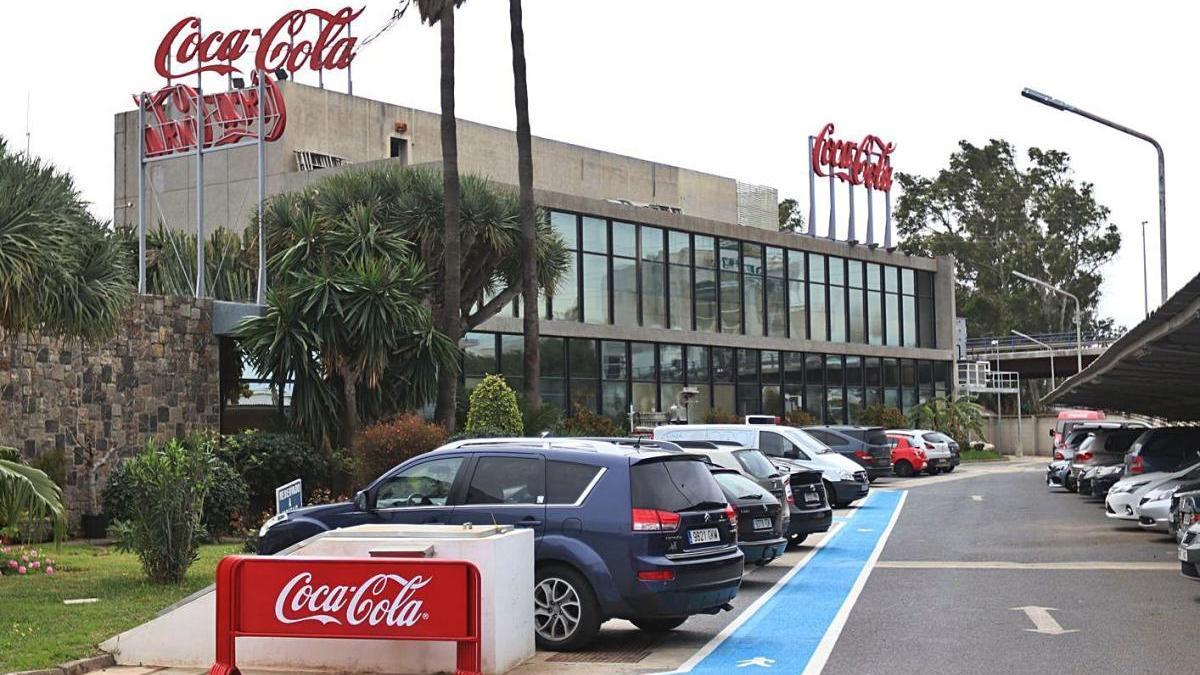La fábrica de Coca Cola en Málaga, que cerrará estos días por la decisión de la compañía de trasladar la actividad a Sevilla.