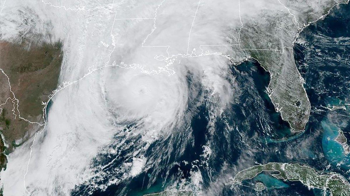 El huracán Zeta toca tierra en Luisiana y amenaza al sur de los Estados Unidos