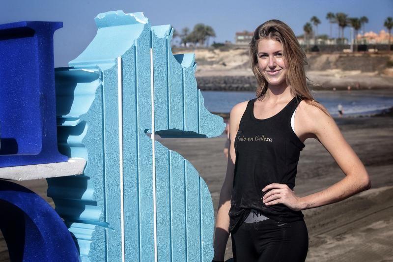 Las candidatas a Miss Universo España realizan actividades en la playa de Fañabé