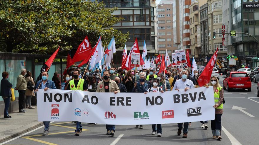 Una manifestación contra el ERE en el banco BBVA afectará hoy al tráfico en A Coruña
