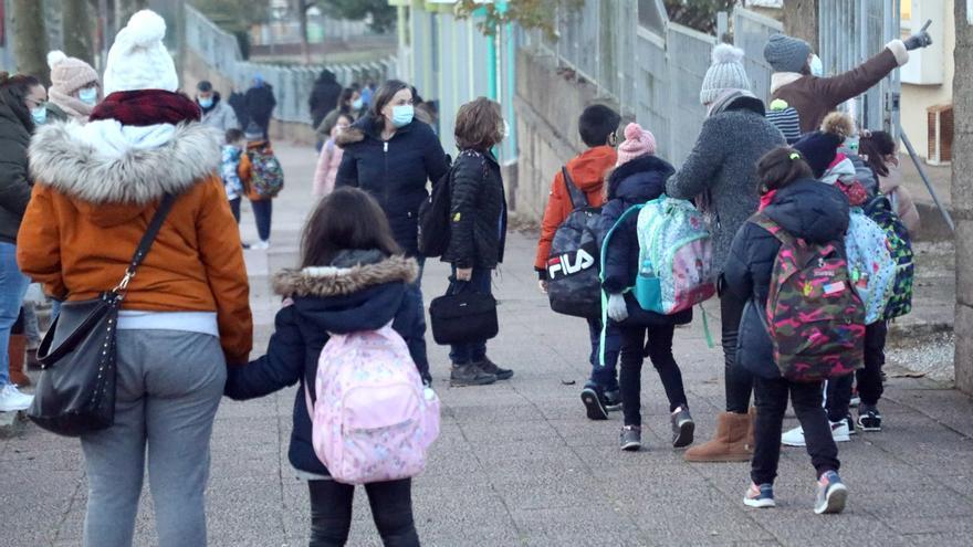 Los centros educativos coruñeses, por debajo de 300 casos de COVID