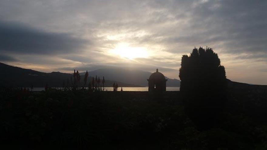 El castillo del Cardenal, a la venta en Corcubión