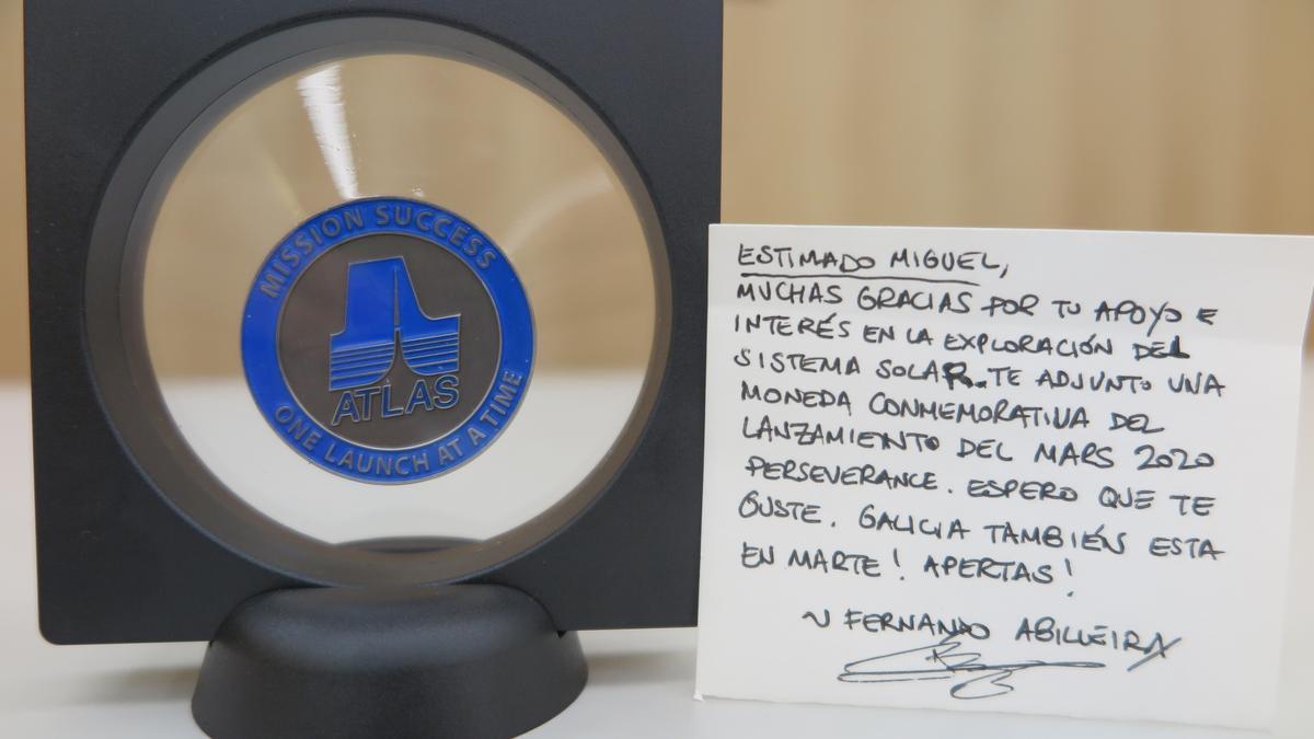 Medalla y mensaje
