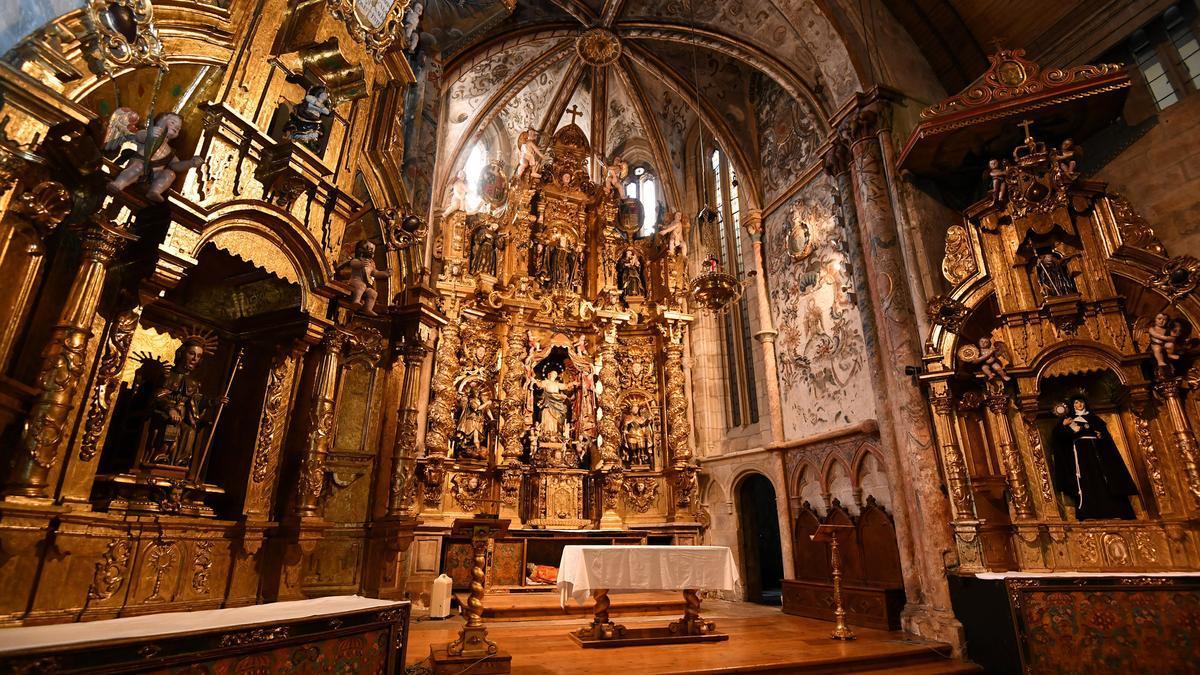 Interior de la iglesia de Santa Clara.