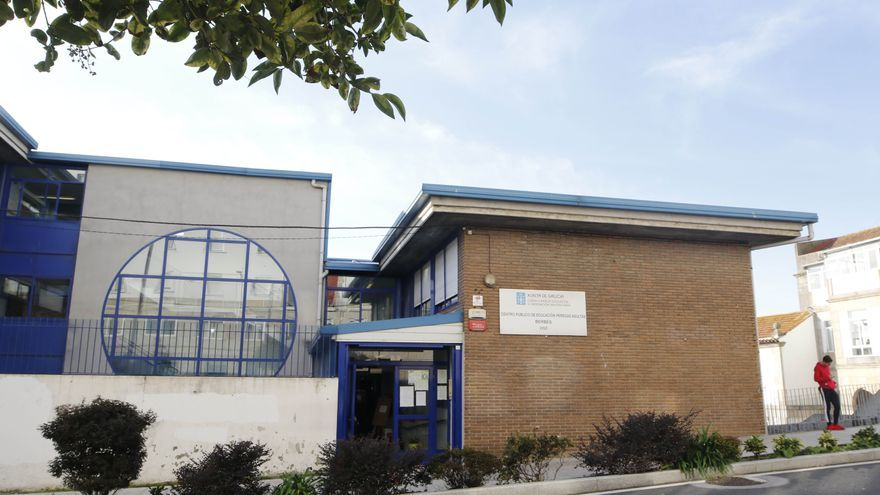 Un polvorín en el Centro de Educación para Adultos de O Berbés