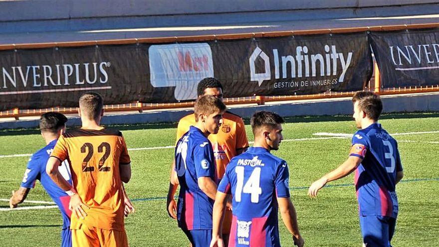 La UD Alzira recupera buenas sensaciones y se lleva el trofeo Antonio Puchades