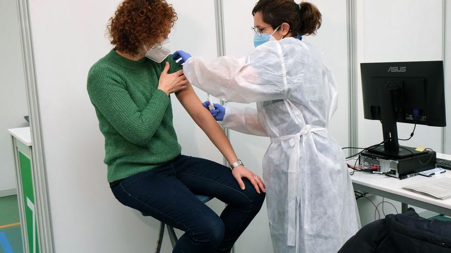 El 15% de la población canaria ya está vacunada contra el covid