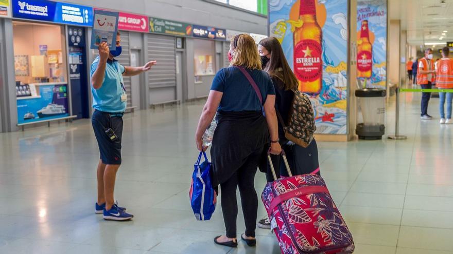 """La Cámara de Comercio desvela la """"complicada"""" situación del sector turístico en Canarias"""