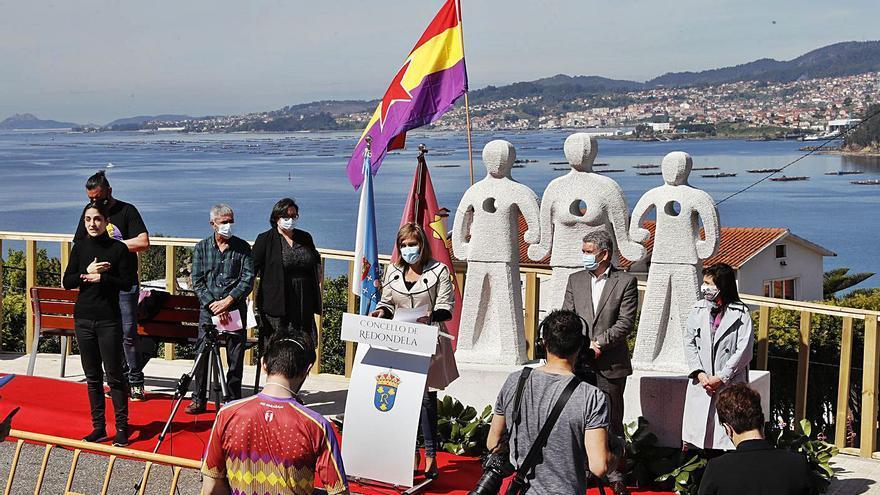 Redondela recupera la memoria de los 21 asesinados en el Alto da Concheira