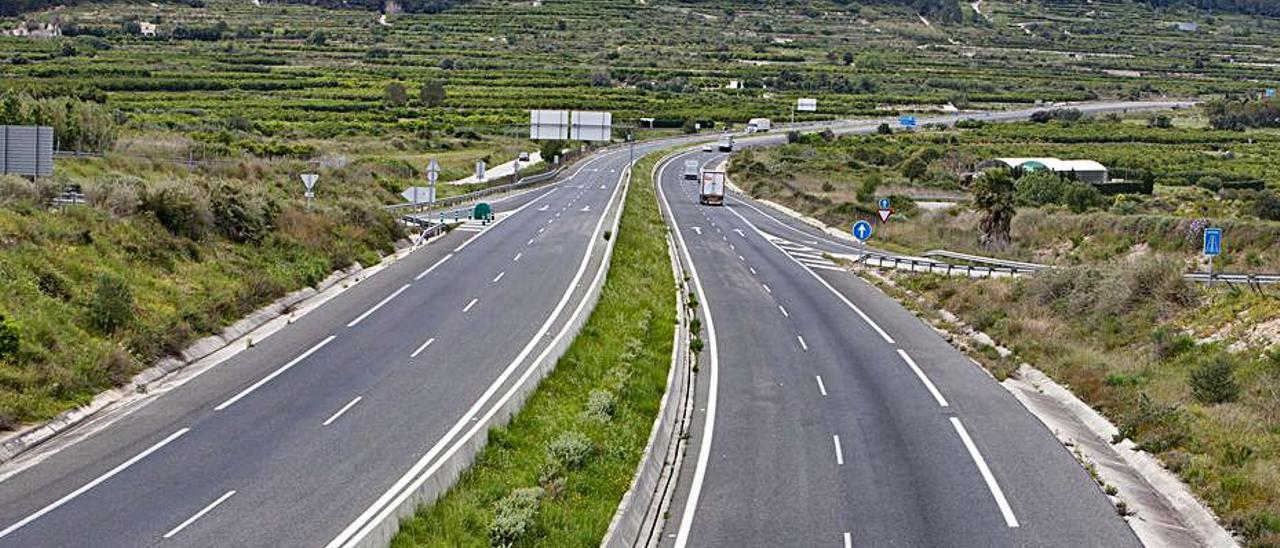 La autovía CV-60, a la altura de Castellonet de la Conquesta.   PERALES IBORRA