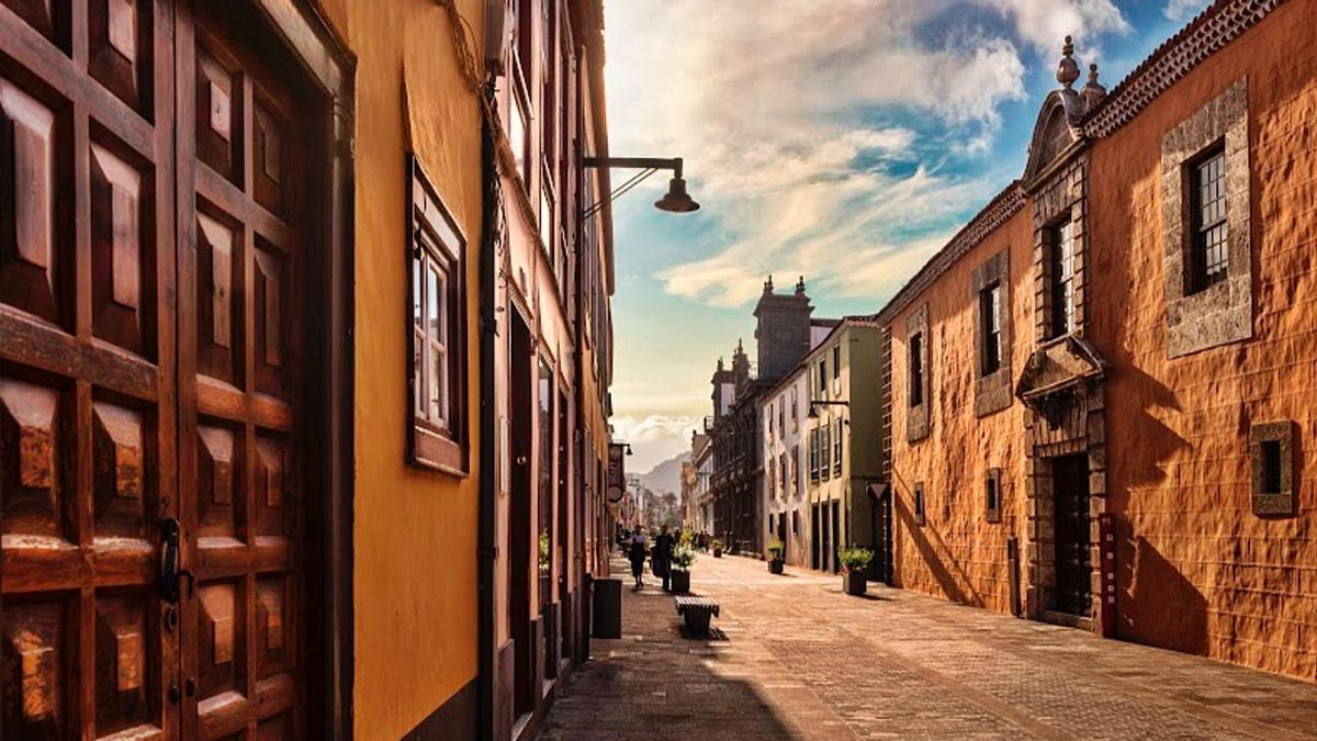 La calle San Agustín del casco histórico de La Laguna. | | E.D.