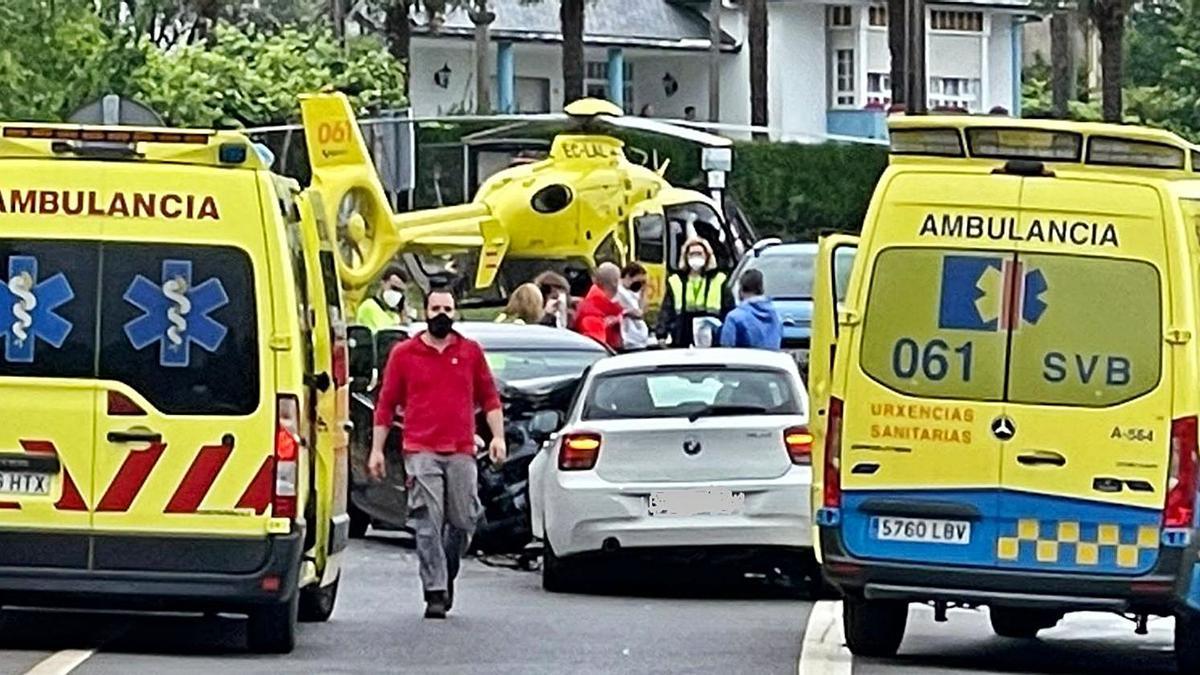 El accidente se produjo en la PO-841, a la altura de la parroquia estradense de Couso.    // BERNABÉ