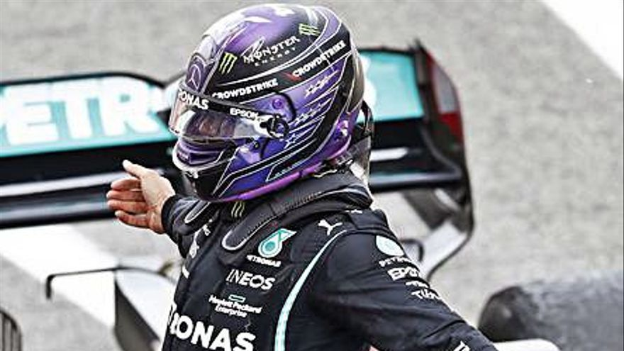 Lewis Hamilton se muestra imparable en Montmeló