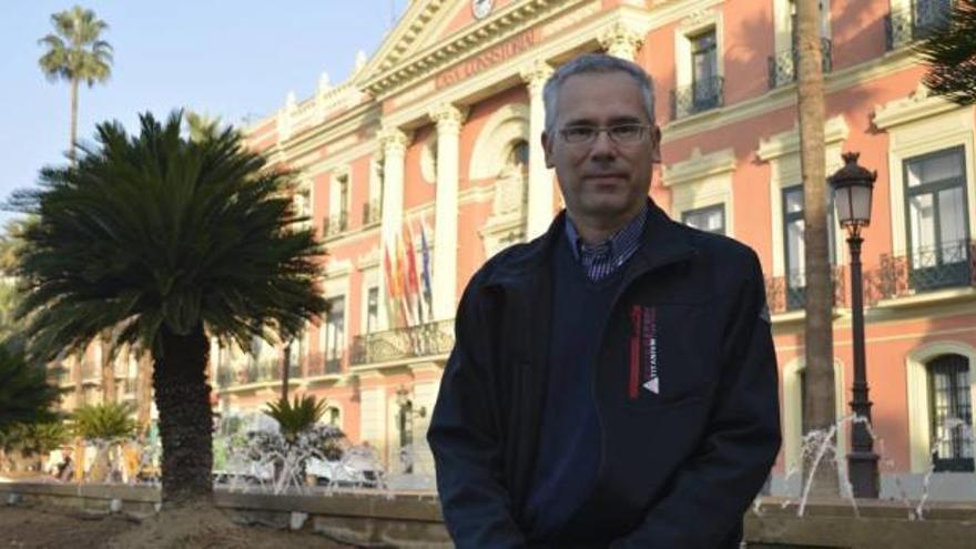 El alcalde pedáneo holandés de Santo Ángel se pasa a Somos Región
