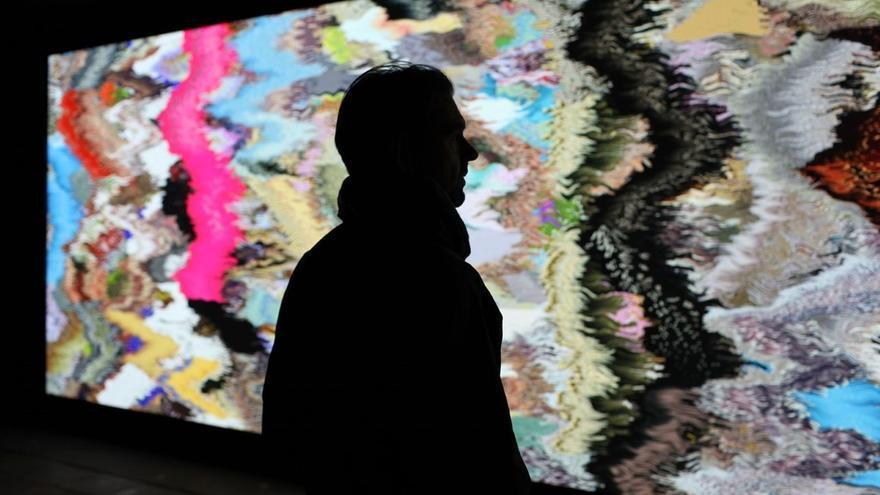 Conferencia Daniel Canogar «El telar universal: del textil precolombino a la pantalla algorítmica»