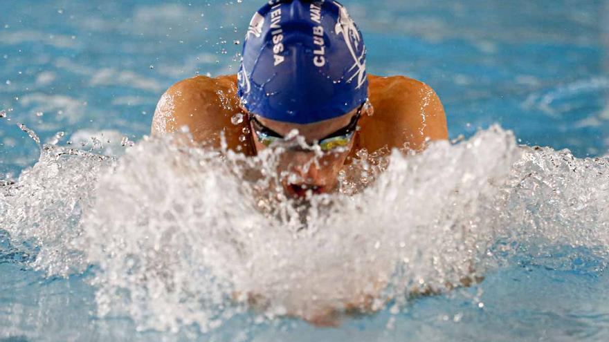 Más de cien nadadores en el Ciutat d'Eivissa