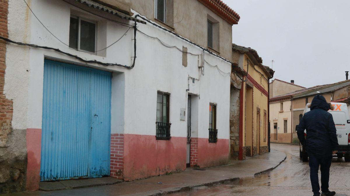 Vivienda en la que vivía la hermana de las menores en Morales de Toro.
