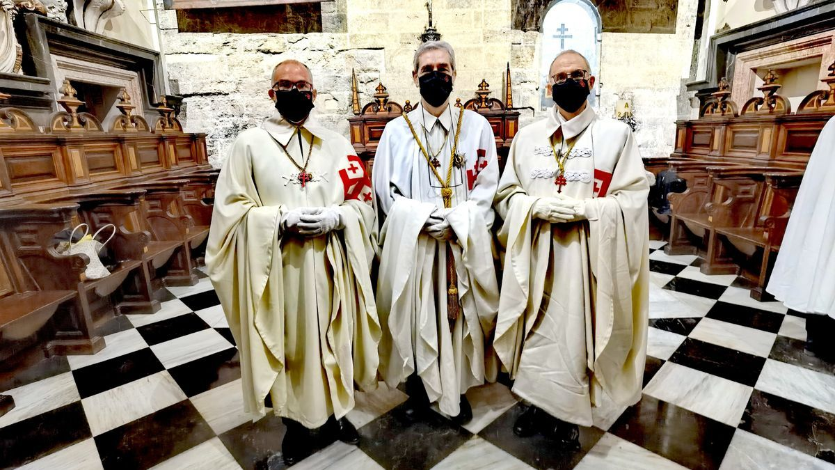 Miembros de la Orden del Santo Sepulcro de Jerusalén en València.