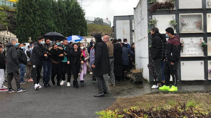 Emotivo entierro de Carlos Jiménez, el joven de 22 años atropellado mortalmente en Llanera