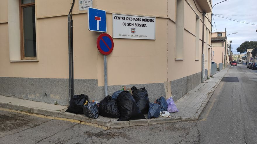 Convocan una huelga indefinida de recogida de basuras en Son Servera