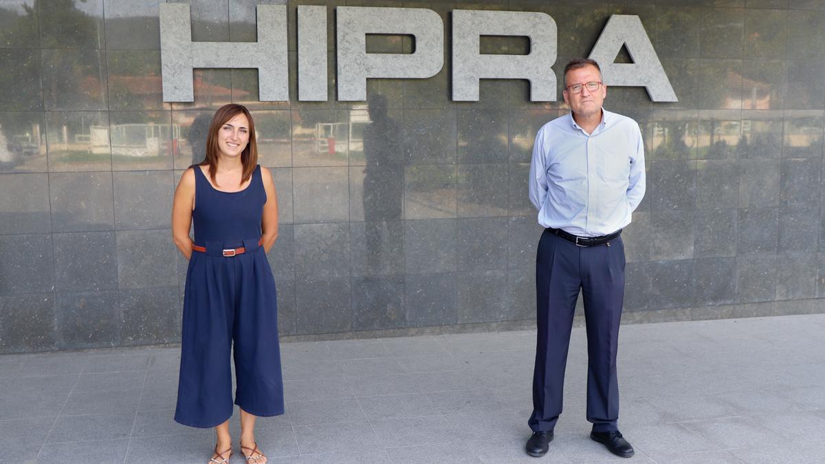 Mariona Serra, gerent de GoodGut, i Toni Maneu, director de la divisió de Salut Humana d'HIPRA.