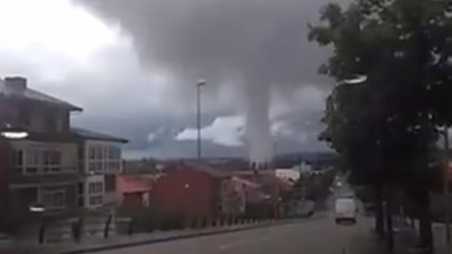 VÍDEO | Un tornado sorprende a los vecinos de Astorga