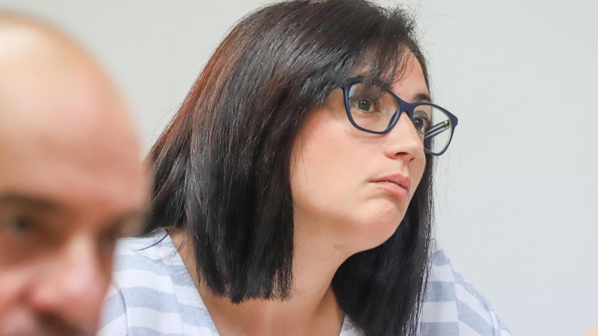 La concejal Carolina Vigara en el pleno del Ayuntamiento/ Foto Tony Sevilla.