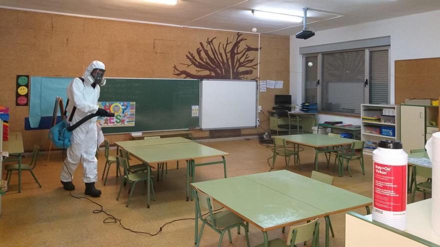 """Confinan un aula del colegio """"Reconquista"""" de Cangas de Onís por el positivo de una profesora"""