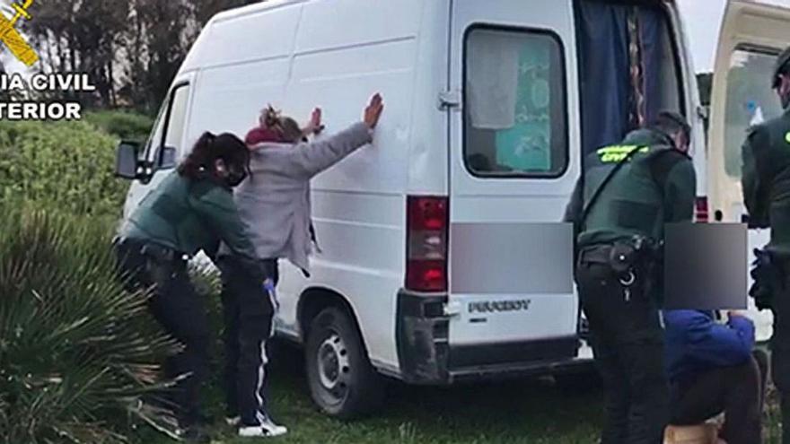 Cae una banda que arrancó seis cajeros con grúas en Murcia y Valencia