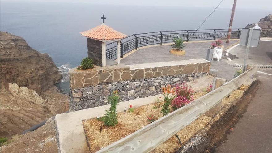 Vecinos y turistas pueden disfrutar ya de un nuevo mirador en Alojera