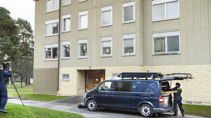 Detienen a una mujer en Suecia que retuvo a su hijo en casa durante 30 años