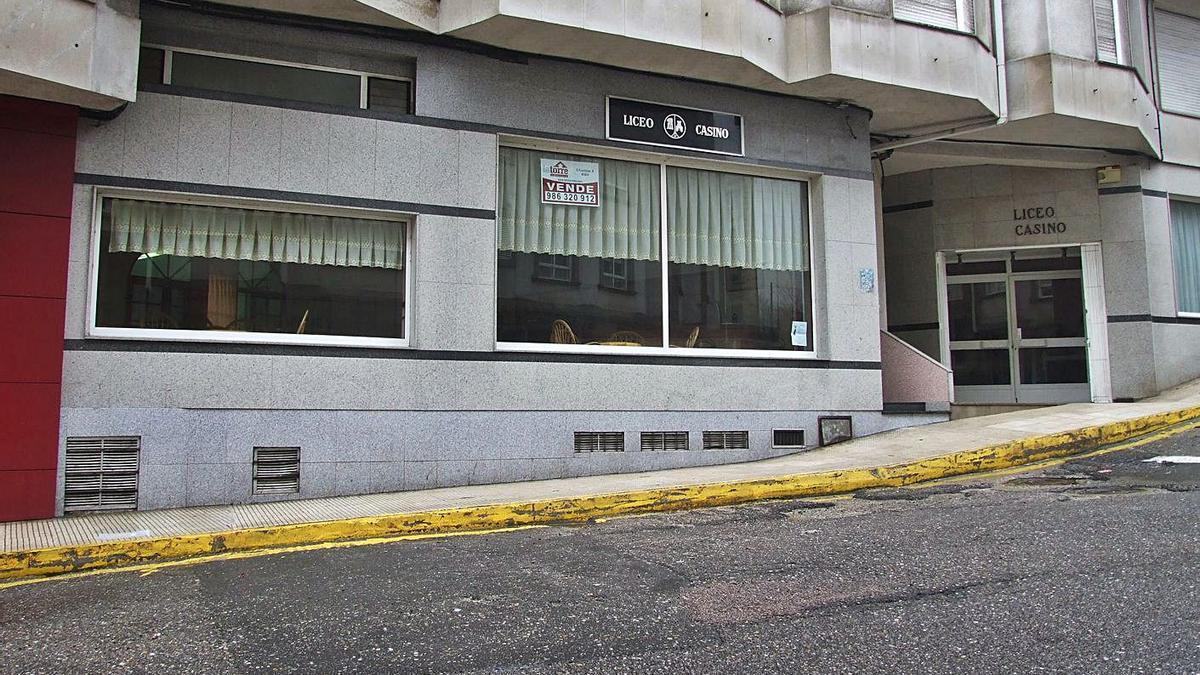 Sede del Liceo Casino de Marín, en la calle Tiro Naval Janer.     // FDV