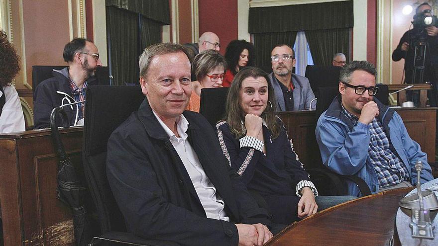 Villarino sí, Villarino no: su elección como alcalde aviva la división interna de PP y PSOE
