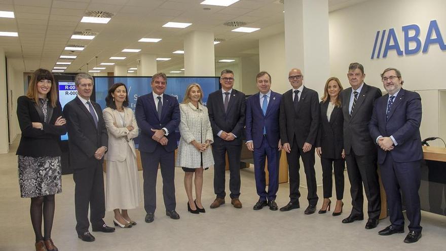 El consejo de Abanca se reúne por primera vez en València