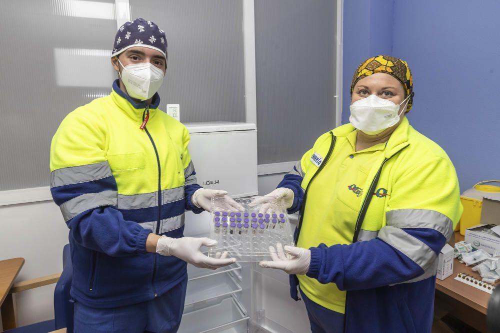Llegada y administración de las primeras vacunas en la Región