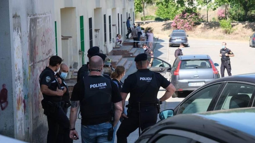 Tres heridos leves en un tiroteo en Badajoz