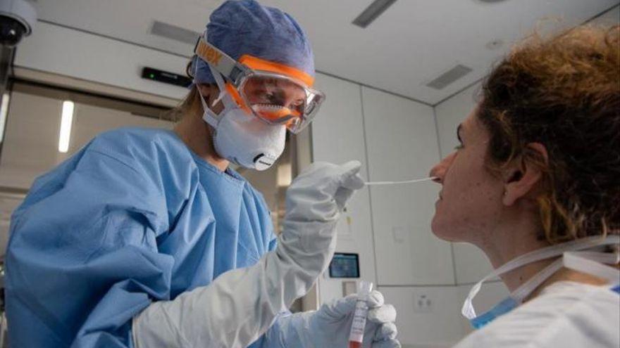 Canarias registra 5 muertes y 172 casos en 24 horas