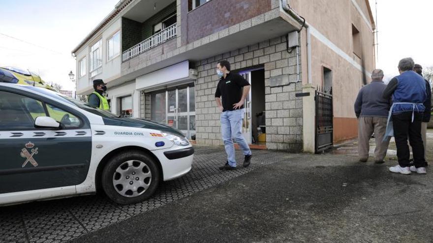 Herido leve un joven en el incendio de una cocina en Vilatuxe