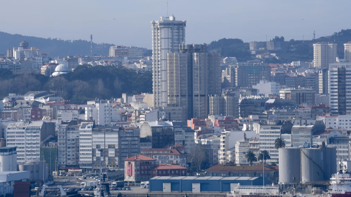 Panorámica de A Coruña un día de primavera.