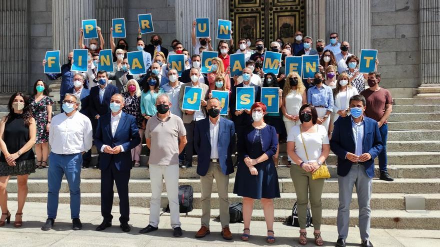 Frente común de sindicatos, empresarios y partidos políticos para exigir en Madrid una financiación justa