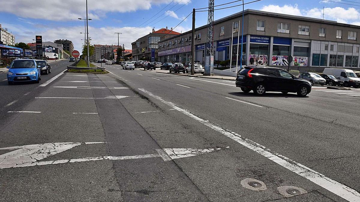 Cruce de avenida de Fisterra con Gutemberg, donde falleció un matrimonio en Nochebuena. |  // VÍCTOR ECHAVE