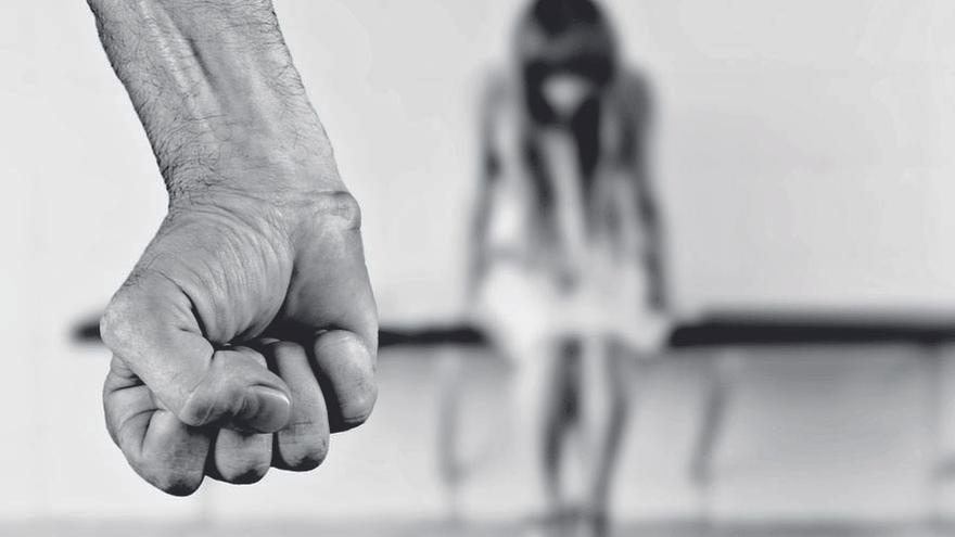 Los casos de violencia de género en Avilés bajan un 19% en el último año