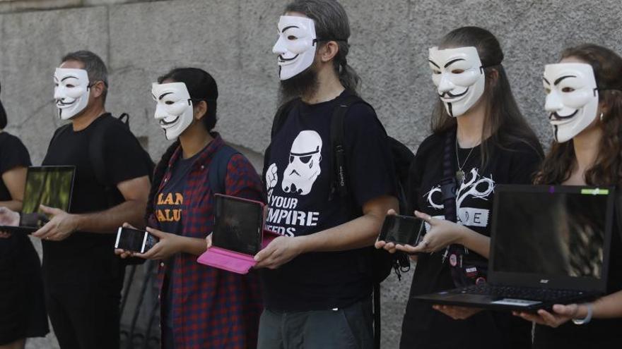 Protesta a Girona contra un macroescorxador a l'Aragó