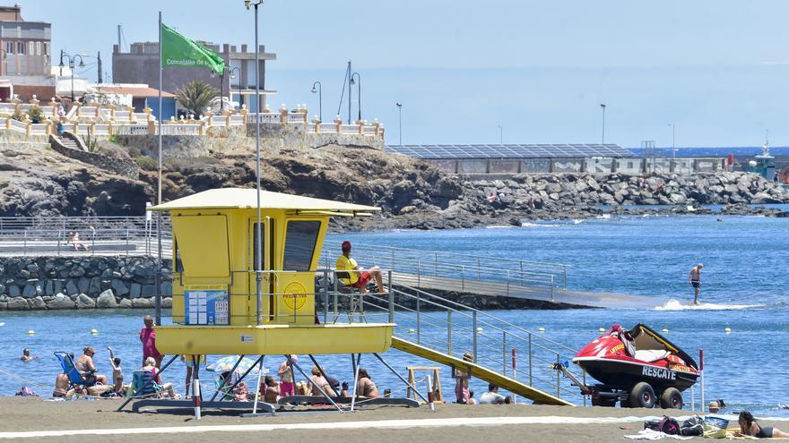 Gobierno y alcaldes discrepan sobre la lista de las playas con socorristas
