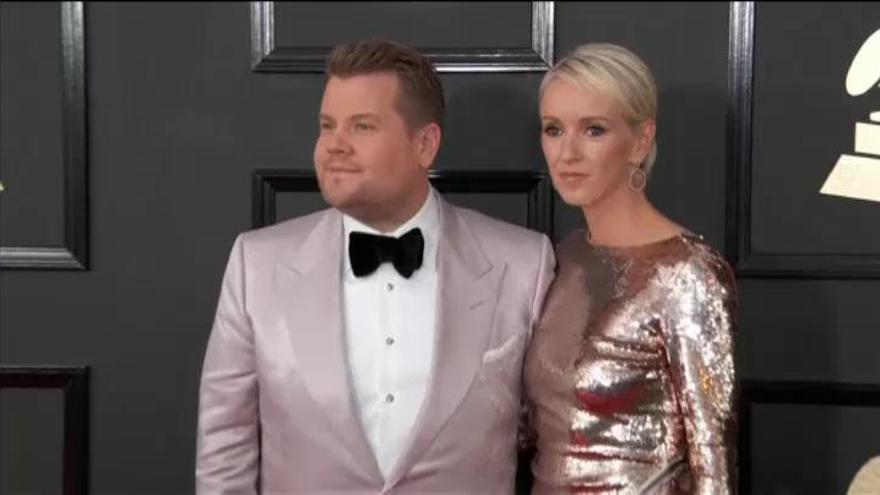 Lady Gaga y Adele brillan en la alfombra de los Grammy