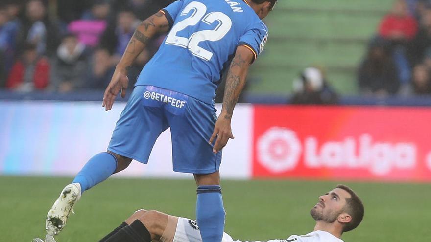 Damián Suárez la lía tras el partido