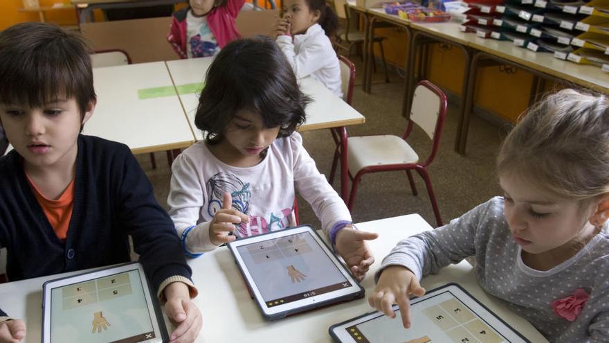 Colegios e institutos deberán garantizar tablets a sus estudiantes el próximo curso