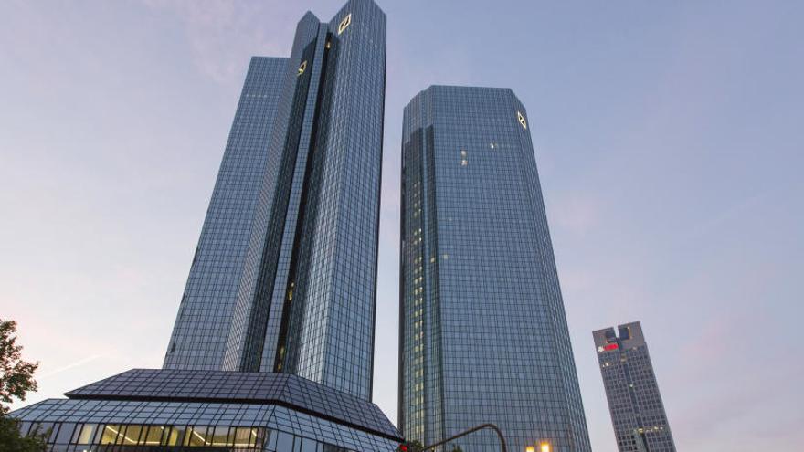 Deutsche Bank estudia crear un 'banco malo' con 50.000 millones en activos 'tóxicos'